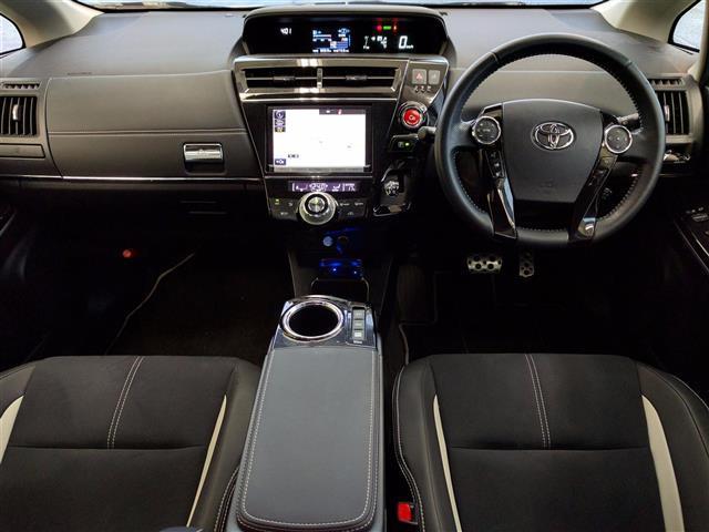 トヨタ プリウスアルファ SツーセレG's ハーフレザー Bカメ Fダウン 10年保証