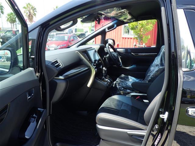 2.5S タイプゴールドII 登録済未使用車 フロアマットラグジュアリータイフ゜トヨタセーフティセンス プリクラッシュセーフティ レーンディパーチャーアラートオートハイビームブラインドスポットモニター(26枚目)