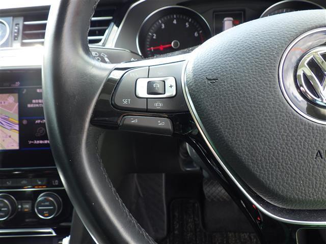 TSIエレガンスライン 衝突軽減 純正ナビ バックカメラ 運転席パワーシート ETC(2.0) LEDヘッドライト フォグライト ウインカーミラー パドルシフト革巻きステアリング ステアリングスイッチ(3枚目)