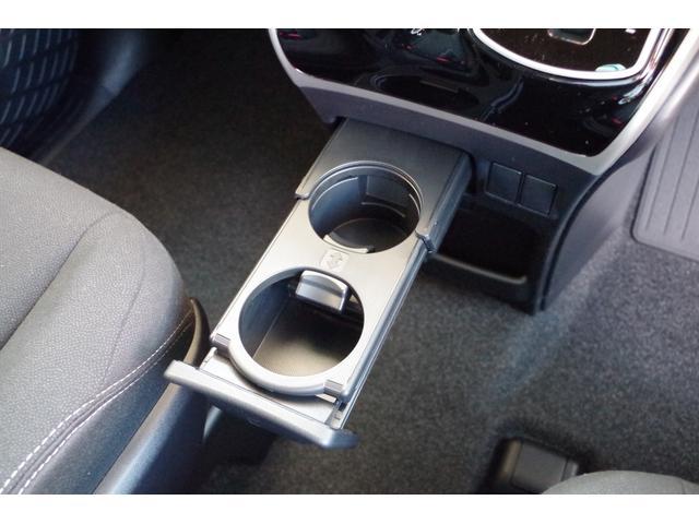 Xi 登録済未使用車 衝突軽減 両側自動ドア LEDライト(10枚目)