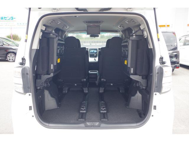 【ラゲッシスペース】フロントシートのみの使用時で最大で2207mmの空間を確保。荷物だけでなく車中泊の際にも活躍。