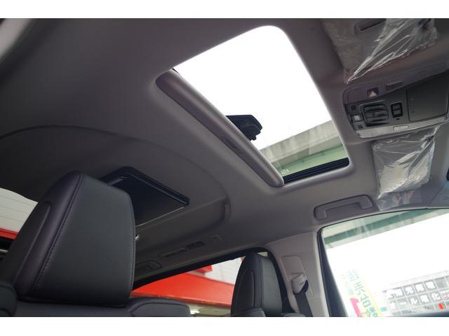 【ツインムーンルーフ】電動チルト、スライドのサンルーフ装備。ちょっとした空気の入れ替えや開放的なドライブができますよ!