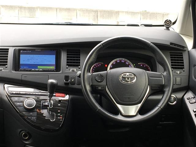 プラタナ Vセレクション 社外HDDナビ/AVIC-ZH07/バックカメラ/ETC/CD/DVD/フルセグTV/Bluetooth/SD/オートライト/純正16インチアルミホイール/フルオートウィンド/片側電動ドア(19枚目)