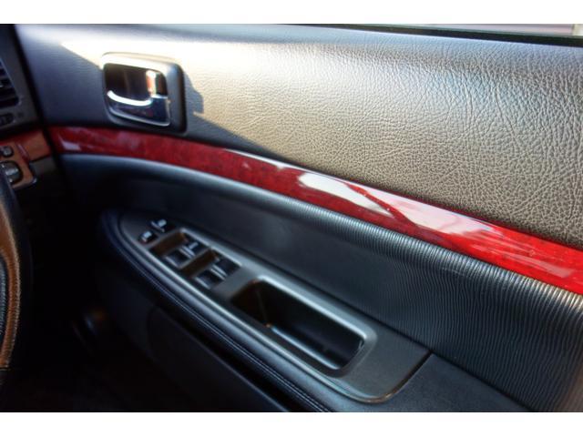 グランデiR-V ターボ 5速 ワンオーナー 整備記録13枚 19インチアルミホイール テイン車高調 ブリッツインタークーラー(35枚目)