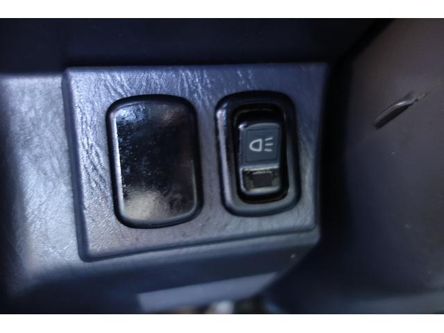 エアコン冷えます!! パワステハンドル軽い!! 4WD 5速MT  試乗OK!走行7.2万km台で走ります! 試乗OK!是非ご予約ください!04-7157-1938