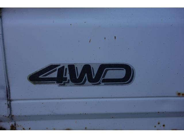 4WD 安心の保障付!!軽トラックは4WDがおすすめです!!2WDですと、ちょっとした段差でスリップしてしい進まなくなってしまいます。そんな時4WDに切り替えて頂くとスリップすることなく走り出します!