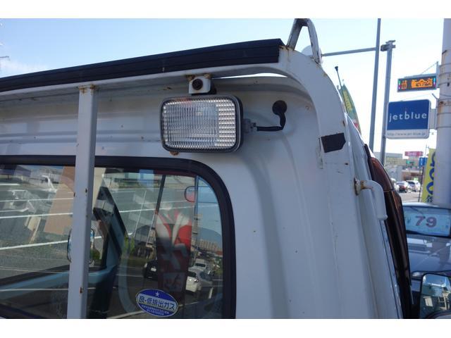 ライト装備で夜間の積み下ろしも可能です!修復歴ありますが、真っ直ぐ走ります!機関良好なお車です!ご自身の目でお確かめ下さい!