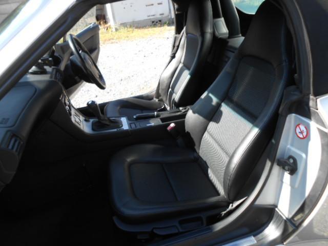 BMW BMW Z3ロードスター 2.2i ハーフレザーシート