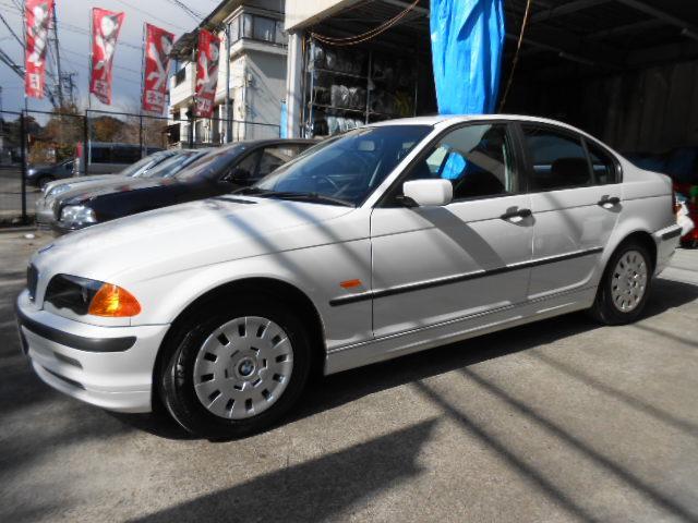 BMW BMW 318i 5MT ワンオーナー 禁煙車 記録簿