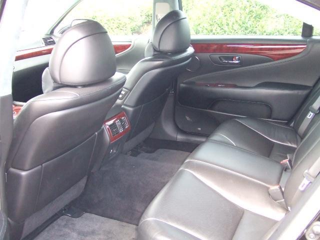 レクサス レクサス LS460L LS460ロング エアサス 左ハンドル 現行仕様