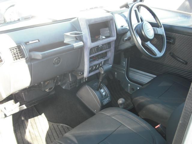 ワイルドウインドリミテッド 4WDターボ FRバンパー ルーフラック 黒革調シートカバー AW(13枚目)