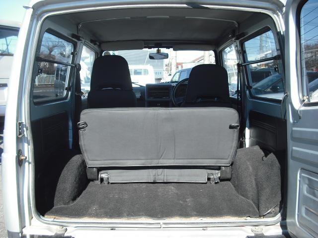 ワイルドウインドリミテッド 4WDターボ FRバンパー ルーフラック 黒革調シートカバー AW(17枚目)