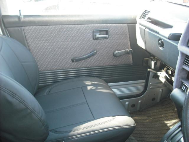 ワイルドウインドリミテッド 4WDターボ FRバンパー ルーフラック 黒革調シートカバー AW(19枚目)