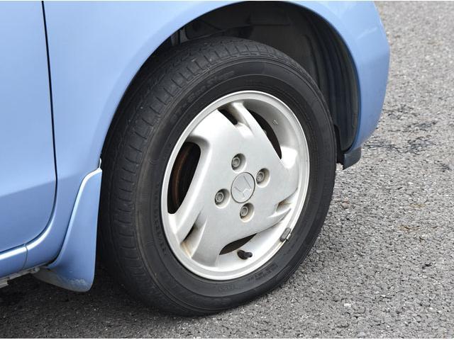 アルミホイールも付いています。アフターサービスもバッチリですよ!! タイヤの組み換え作業等も出来ますのでご安心下さい。 エンジンオイル交換は1台【1,500円】の格安にて行っております。