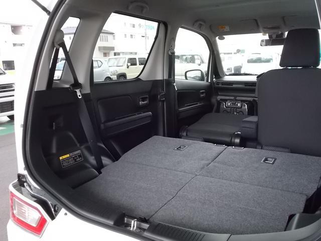 この空間で車中泊も余裕です。