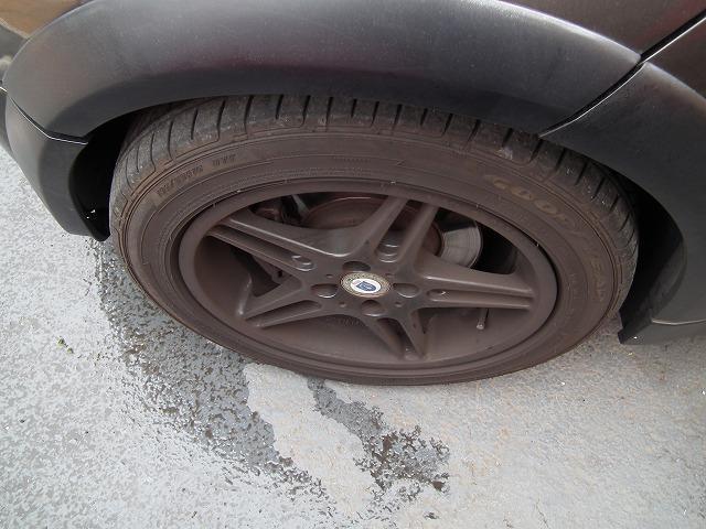 車両(一部除く)に1年間走行無制限の保証が付いております。24時間365日対応ロードサービスも付属致します。保証はプランにより項目は異なりますが基本免責0円、修理回数・修理金額共に上限無しとなります。