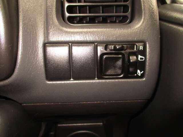 エアコン吹き出し口の細かい箇所も丁寧に仕上げています!お車が汚れてきたら、『再仕上げ』も承っておりますのでご相談ください!