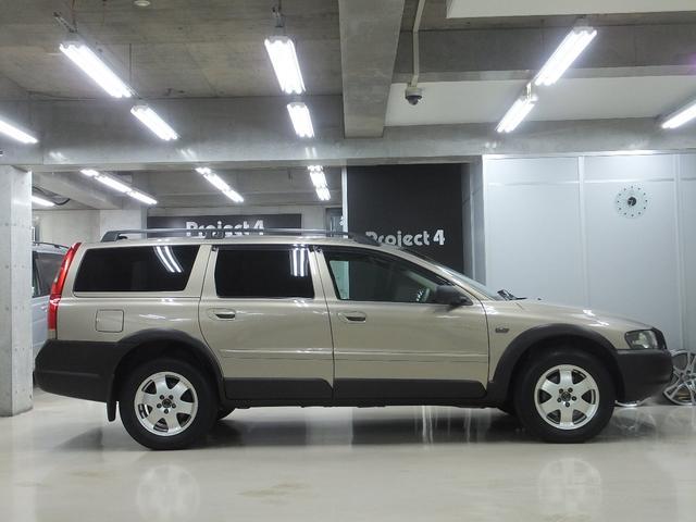 「ボルボ」「ボルボ XC70」「SUV・クロカン」「東京都」の中古車4