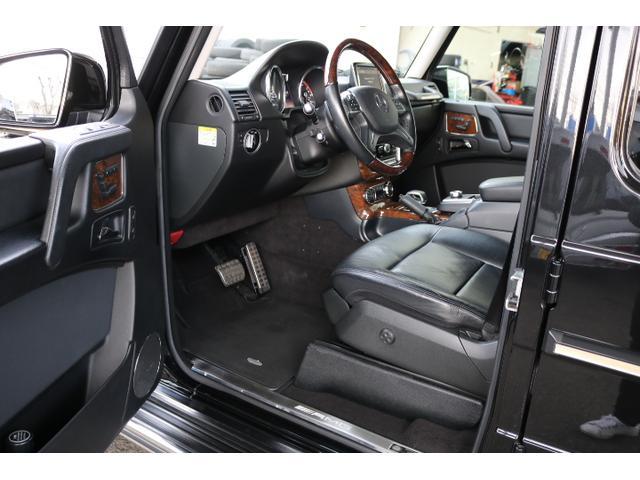 G550 G63仕様/20インチアルミ/サイド出しマフラー/AMGスカッフプレート/黒本革シート/シートヒーター/スライディングルーフ/ディストロニックプラス/ハーマンカードン/ウッドコンビハンドル(42枚目)