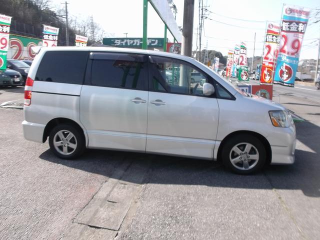 トヨタ ノア S CDキーレスアルミHID