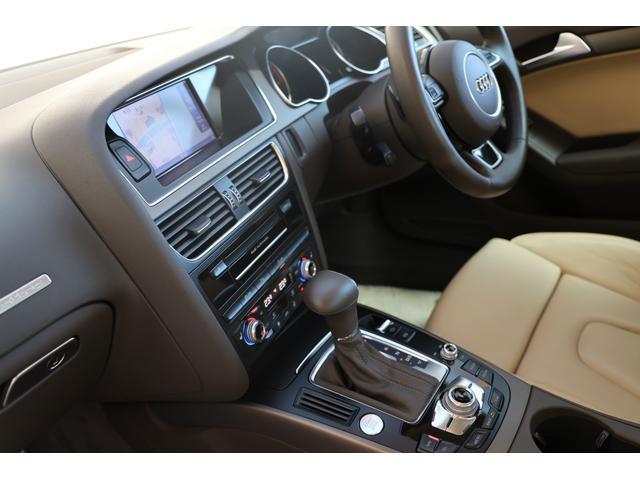 2.0TFSIクワトロ 後期モデル WORK20AW KW車高調 ユーザー買取車 ベージュ本革シート グレイシアホワイトメタリック フルタイム4WD 2,000ccターボ 純正ナビ パーキングシステム(11枚目)