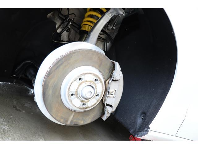 2.0TFSIクワトロ 後期モデル WORK20AW KW車高調 ユーザー買取車 ベージュ本革シート グレイシアホワイトメタリック フルタイム4WD 2,000ccターボ 純正ナビ パーキングシステム(19枚目)