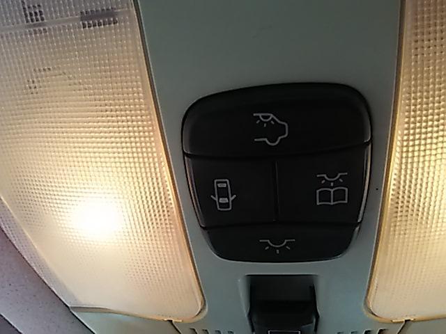 メルセデス・ベンツ M・ベンツ E240 フル装備 純正アルミ15インチ オートクルーズ
