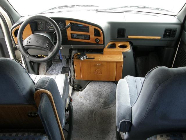 フォード フォード エコノライン 350 キャンピング バックカメラ 2段ベッド ソファ
