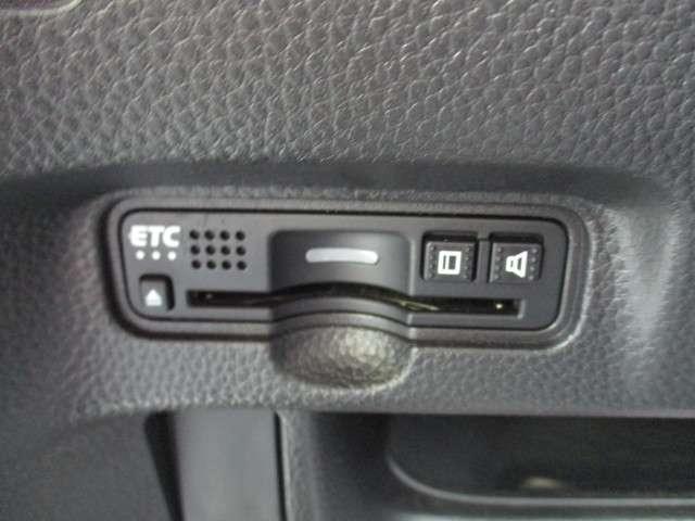G・Lホンダセンシング 純正メモリナビ VXM-175VFi バックカメラ ETC ホンダセンシング Bluetoothオーディオ 左側電動スライドドア USBジャック 横滑り防止機能 LEDヘッドライト LEDフォグライト(5枚目)