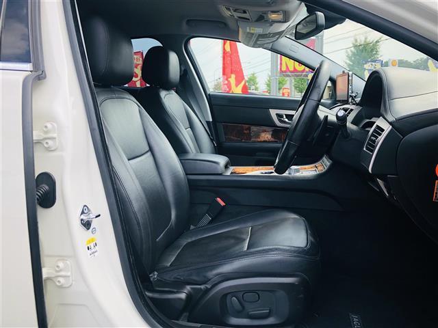 「ジャガー」「ジャガー XF」「セダン」「茨城県」の中古車7