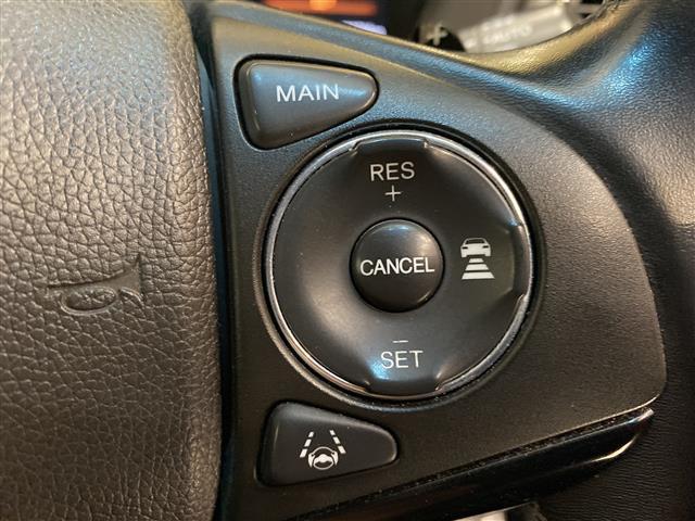 ハイブリッドZ・ホンダセンシング 純正8インチプレミアムインターナビ フルセグ バックカメラ レーダークルーズコントロール LEDオートライト ハーフレザーコンビシート シートヒーター ビルトインETC パドルシフト スマートキー(6枚目)