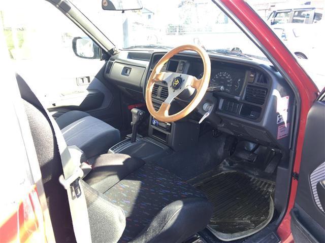 キャブプラス 4WD CDオーディオ アルミホイール(10枚目)