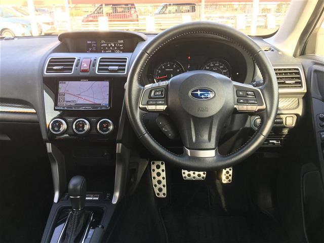 S-リミテッド/4WD 革シート 外HDDナビ アイサイト(10枚目)