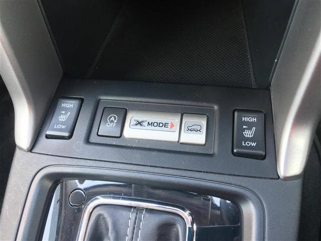 S-リミテッド/4WD 革シート 外HDDナビ アイサイト(12枚目)