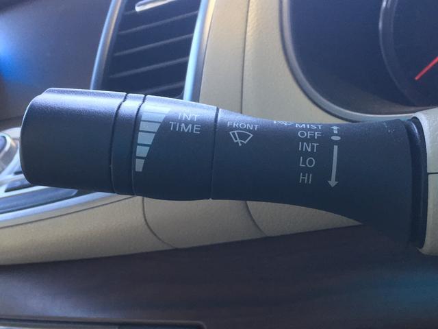 250XE 純正HDDナビ/サイドカメラ/バックカメラ/スマートキー/ETC/革巻きステアリング(14枚目)