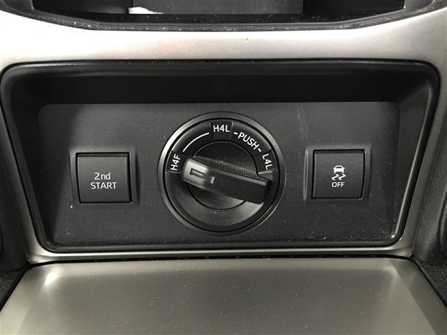 TX Lパッケージ サンルーフ 革シート 4WD 社外メモリナビ フルセグTV DVD CD SD Bluetooth ルーフレール ドラレコ ビルトインETC バックカメラ エアシート 3列目自動シート 純正17AW(12枚目)