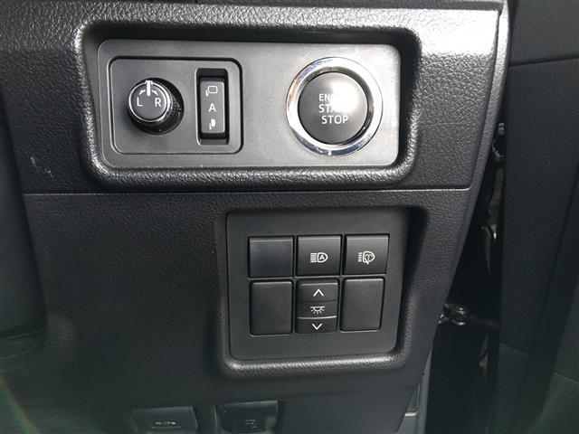 TX Lパッケージ サンルーフ 革シート 4WD 社外メモリナビ フルセグTV DVD CD SD Bluetooth ルーフレール ドラレコ ビルトインETC バックカメラ エアシート 3列目自動シート 純正17AW(16枚目)