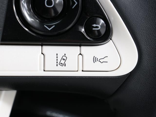 S フルセグ メモリーナビ バックカメラ 衝突被害軽減システム ETC LEDヘッドランプ ワンオーナー DVD再生 ミュージックプレイヤー接続可 記録簿 安全装備 オートクルーズコントロール ナビ&TV(17枚目)