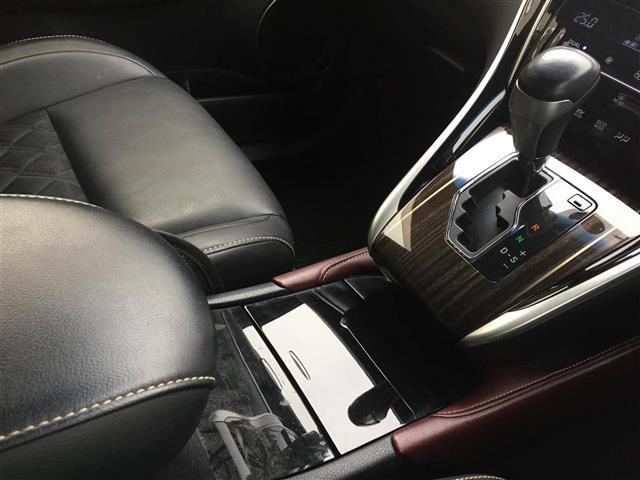 「トヨタ」「ハリアーハイブリッド」「SUV・クロカン」「埼玉県」の中古車19