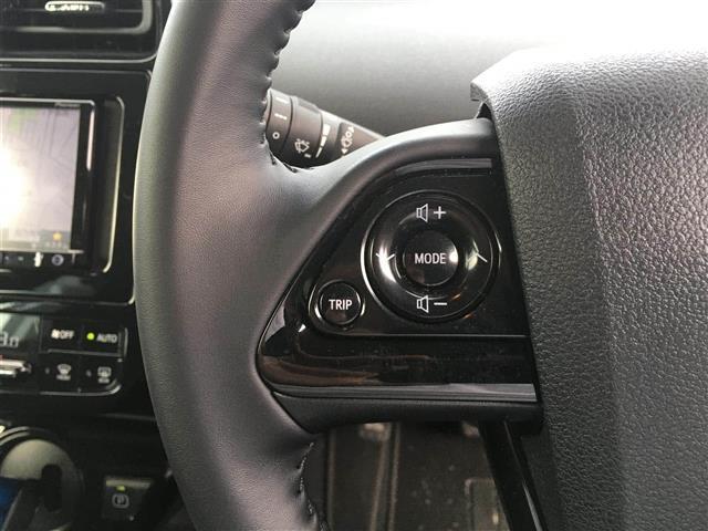 S スマートキー/プッシュスタート/セーフティーセンス/レーダークルーズ/レーンキープ/オートハイビーム/ふらつき検知/社外メモリナビ/CD/DVD/Bluetooth/ETC(11枚目)