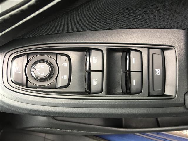 1.6i-L アイサイト 4WD/社外ナビ/Bluetooth/AUX/SD/CDバックカメラ/ETC/クルコン/パドルシフト/衝突軽減支援ブレーキ/車線逸脱防止/アイドリングストップ/HIDヘッドライト/ワンオーナー(7枚目)