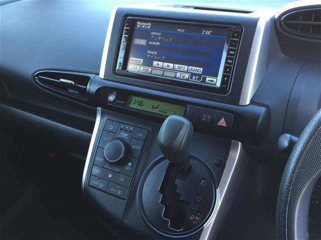 1.8X スマートキー/プッシュスタート/純正HDDナビ/フルセグ/CD/DVD/Bluetooth/バックカメラ/キセノンライト/社外15インチAW/純正フロアマット/純正ドアバイザー(9枚目)