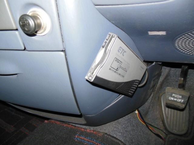 トヨタ タウンエースノア 2.0ロードツアラーリミテッド 8人 SDナビ バックカメラ