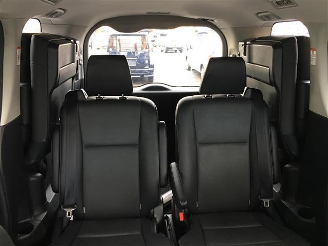 トヨタ エスクァイア Gi 両側パワスラ 後席モニター ワンオーナー 本革シート
