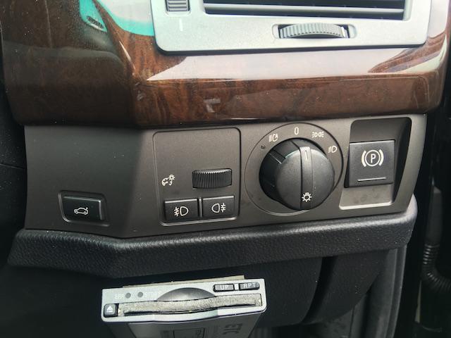 BMW BMW 745i サンルーフ パワーシート シートヒーター 革シート