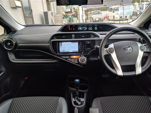 「トヨタ」「アクア」「コンパクトカー」「愛媛県」の中古車7