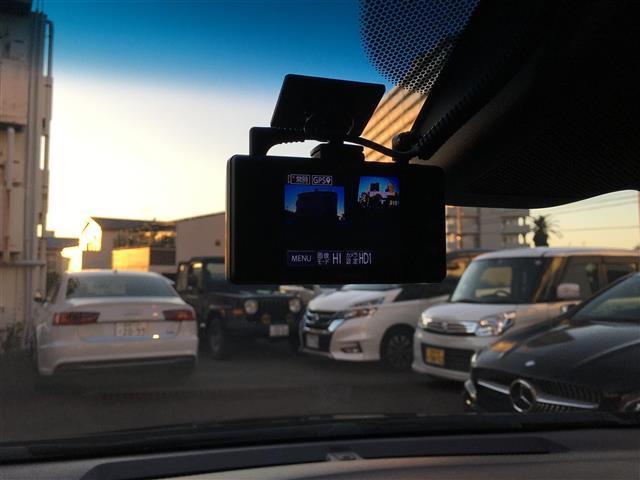 ハイブリッド Z ホンダセンシング/ワンオーナー/ホンダセンシング/純正SDナビ/フルセグTV/バックカメラ/クルーズコントロール/ドライブレコーダー/パドルシフト/ハーフレザーシート/ウィンカーミラー(5枚目)
