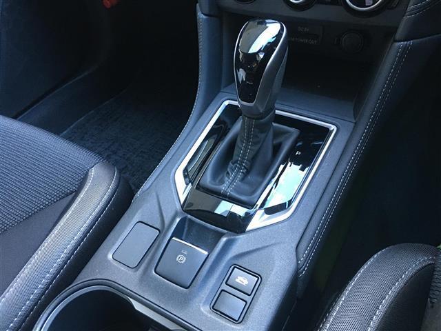 2.0i-Lアイサイト 4WD アイサイトVer3 プリクラッシュブレーキ 追従機能付クルーズコントロール SRVD 純正メモリナビ フルセグ バックカメラ(8枚目)
