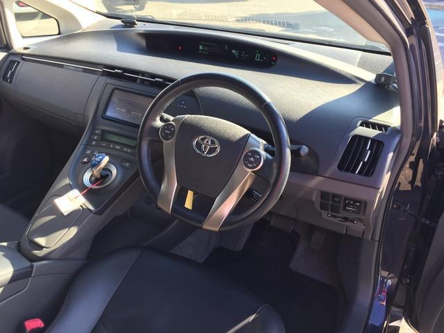 トヨタ プリウス G LEDエディション 革シート メモリーナビ バックカメラ