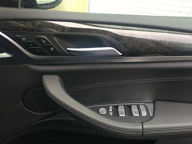 xDrive20d Mスポーツ(18枚目)